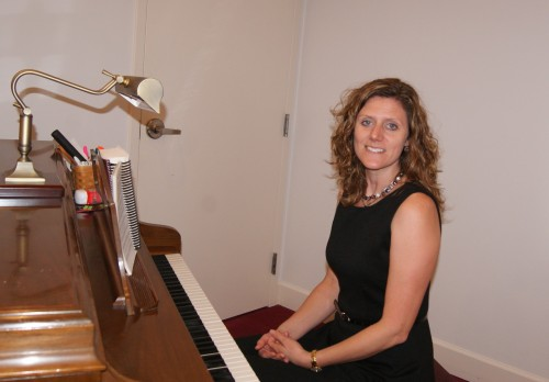 Crystal Detwiler : Piano Player
